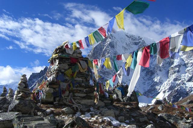 buddhista_imazaszlok_tibet.jpg