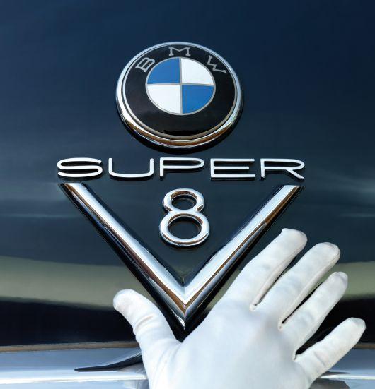 bmw_super_v8_emblem.jpg