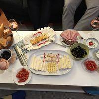 Borvacsora a barátokkal otthon lazában #borvacsora #otthon #wine #dinner #winedinner #athome #with #friends