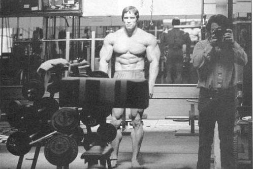 Arnold-IN-Mirror.jpg