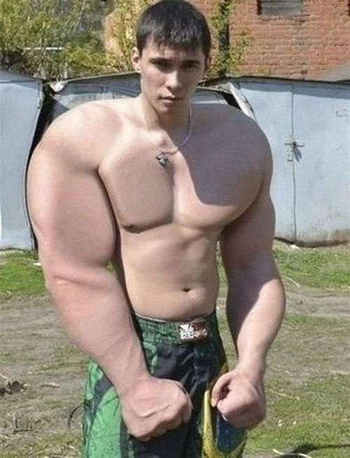photoshopped_muscle_fails_04.jpg