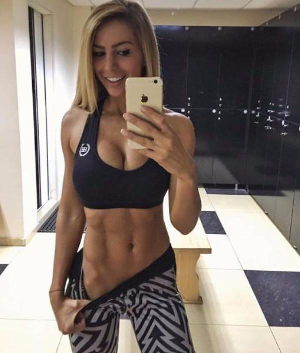 strong_sporty_girls_41.jpg