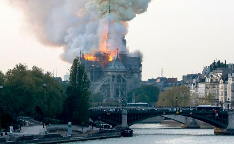 notre_dame_fire_gettyimages_810_500_75_s_c1.jpg
