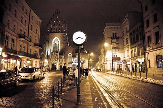 krakow_at_night.jpg