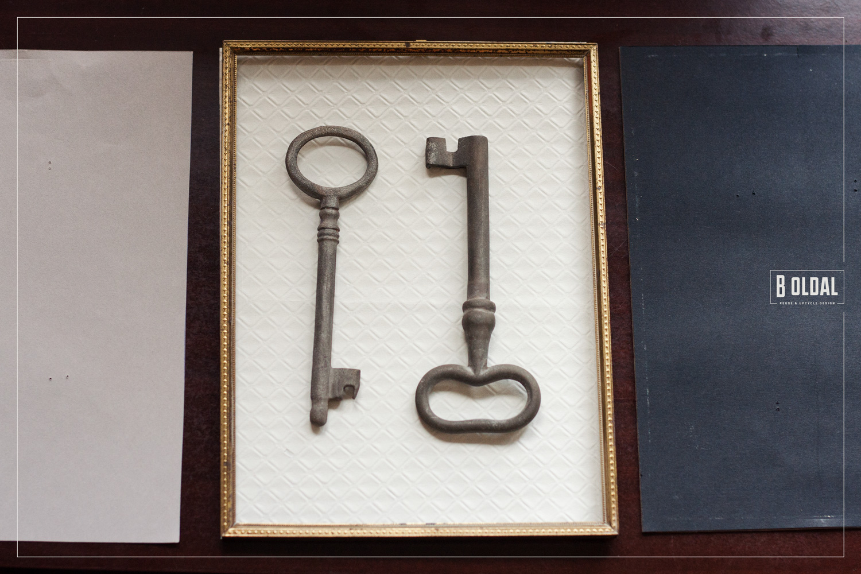 21-fali-kep-antik-kulcsokbol-3-b-oldal.jpg