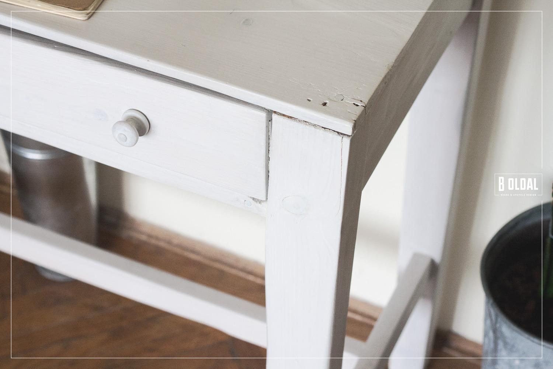 24-konyhai-kis-asztalbol-dolgozoasztal-10-b-oldal.jpg