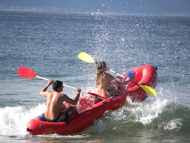 rafting-298796_640.jpg