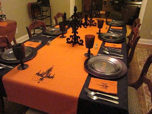 halloween-table-centerpiece-decorating-ideas.jpg