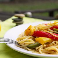 Színezd újra: citromos-trikolor paprikás spagetti