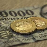 LEHET, HOGY MEGSZŰNIK A KÉSZPÉNZES NYUGDÍJ ÉRDEN IS: Drága a készpénz