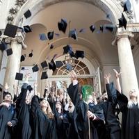 ÉRDEN VAN ELÉG DIPLOMÁS? Az ország sajnos fasorba' sincs a diplomások számában