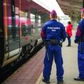 ÉRDEN HOLNAP BÁRMIKOR BELENÉZHETNEK A CSOMAGJÁBA! Fokozott ellenőrzés a vonatokon és a pályaudvarokon!