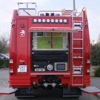 FELBORULT EGY PÓTKOCSI AZ M7-ESEN: Az érdi tűzoltóknak rohanni kellett
