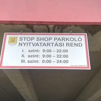 SÚLYOSBODIK A PARKOLÁSI HELYZET ÉRDEN! Újabb szintet zárnak le a Stop Shopban