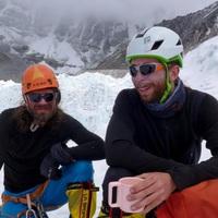 Ma hajnalban Klein Dávid és Suhajda Szilárd elindult meghódítani az Everest csúcsát