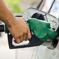 HOLNAP A DÍZELESEK DUPLÁN SZÍVNAK ÉRDEN IS! Drágul az üzemanyag