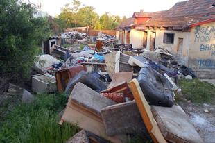 """ÖNÖK """"IRIGYLIK"""" AZ ÉRDI KÓCSAG UTCÁBAN LAKÓKAT? Szemtelenül folytatódik a hulladék garázdálkodás!"""