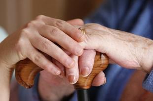 ÉRDI NYUGDÍJASOK, TARTSATOK KI: Lehet, ma már keresztet vethettek a nyugdíjatokra