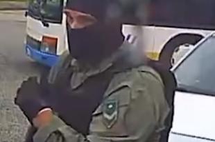 FEGYVERES RABLÓK TÖRÖKBÁLINTON! Videón a rablók, segítsen azonosítani őket!