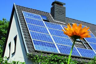 Ha Érden napelemeket szereltetne fel, kerülje el ezeket a feketelistás cégeket!