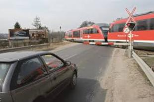 Kikapcsolták a Duna utcai vasúti átjáró fényjelzőjét Érden, legyenek körültekintőek!