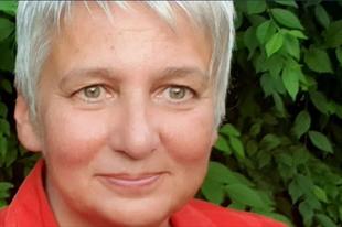 MAI NAP ÉRD DOMBOSVÁROSI JELÖLTJÉT MUTATTÁK BE! Dr. Asztalos Évára szavazhatnak a Csőzik fanok