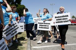 Egyre közelebb a sztrájk a Tesconál - nemet mondtak a dolgozók a cég ajánlatára. Vajon Érden is lesz munkabeszüntetés?