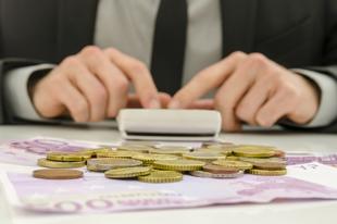 ÉRDEN MENNYIBŐL ÉLÜNK MEG? Meghökkentő számok jöttek az átlagfizetésekről
