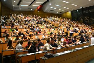 NAGY HÍRÜNK VAN: vasárnap éjfélig lehet jelentkezni a szeptemberben induló felsőoktatási képzésekre