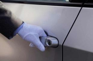 ÉRDI AUTÓRABLÓK: Eladták, majd visszarabolták az autót, közbe elásással fenyegették a vevőt