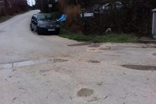 Vajon mikor teszik rendbe a Somogyvári utcát? Kíváncsian várjuk T.Mészáros András és az ÉKFI válaszát