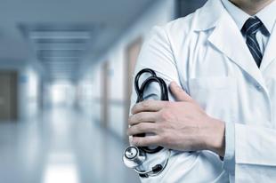 ELEGÜK VAN, DE NAGYON: 900 ezres bért követelnek az orvosok