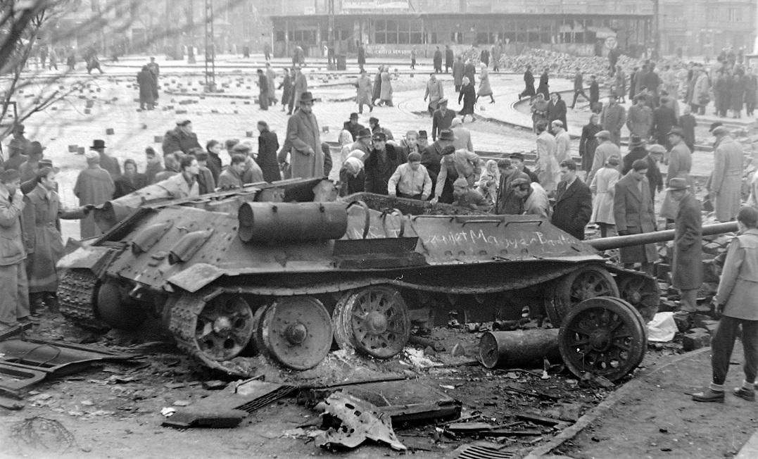 1956-tank-origo-hu.jpg