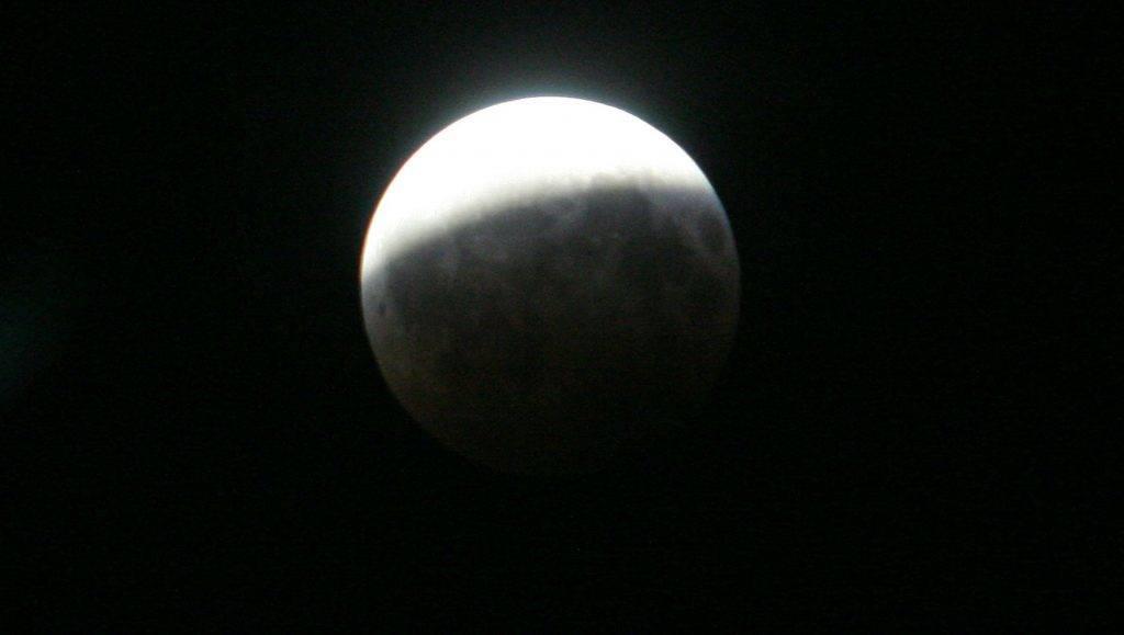 holdogyatkozas-24-hu.jpg