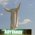 MESE GYŐRI HABBAL: Amikor Adyváros közepére egy 40 méteres Haza Első Embere- szobor kerül