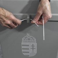 GYŐRBEN IS BEZÁRTAK A SZAVAZÓKÖRÖK:  Lehet izgulni,megkezdődött a szavazatok számlálása