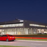 Iskolások az Audiban