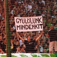 NEM BÜNTETNEK A SZURKOLÓK MIATT: Újra lehet szidni meccs közben a bírók prostituált rokonait Győrben is