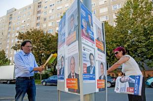 Nagyon félhetnek Borkaiék, hogy Hódmezővásáhely mintájára elverik őket : betiltották a plakátolást Győrben