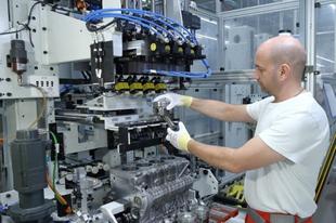 Itt a győri Audi válasza a szlovákiai Jaguar ezer eurós bérére