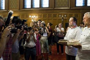 KÓSTOLJA MEG GYŐRBEN IS! A Komáromi kisleány lett idén Magyarország tortája