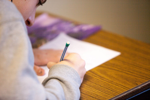 HATALMAS SEGÍTSÉG GYŐRBEN IS: Hátrányos helyzetű gyerekeknek hirdetnek ösztöndíjpályázatot