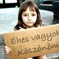 Minden harmadik gyermeket még mindig a szegénység miatt szakítják el a családjától