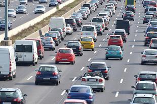 MAI NAP AZ M1-ESEN! A szokásosnál is nagyobb forgalomban a mosonmagyaróvári sofőrök