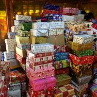 Töltsük meg szeretettel a rászoruló gyermekek karácsonyát: Tatabányán is lesz ismét Cipősdoboz akció!