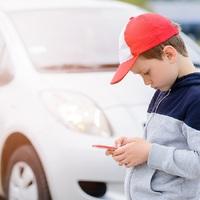 AZ ERKÖLCS MÍNUSZBAN: Megtartották a talált telefont. Így mutatunk példát a gyereknek Tatabányán?