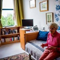 BENCSIKÉK TÖRVÉNYMÓDOSÍTÁSA: Jöjjön Tatabányán is a gazdag nyugdíjasok szocotthona!
