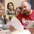 HOGY LEGYEN MIBŐL VÁSÁROLNI MÉG TATABÁNYÁN IS: Korábban érkeznek a decemberi családtámogatások