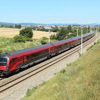 Megindult a vasúti forgalom Ausztriában Hegyeshalomnál