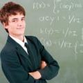 TATABÁNYAI SZÜLŐK, ÍGY AKARJÁTOK, HOGY SZÍNÖTÖS LEGYEN A GYEREK! A közepes tanulók sok esetben sikeresebbek, mint a kitűnők